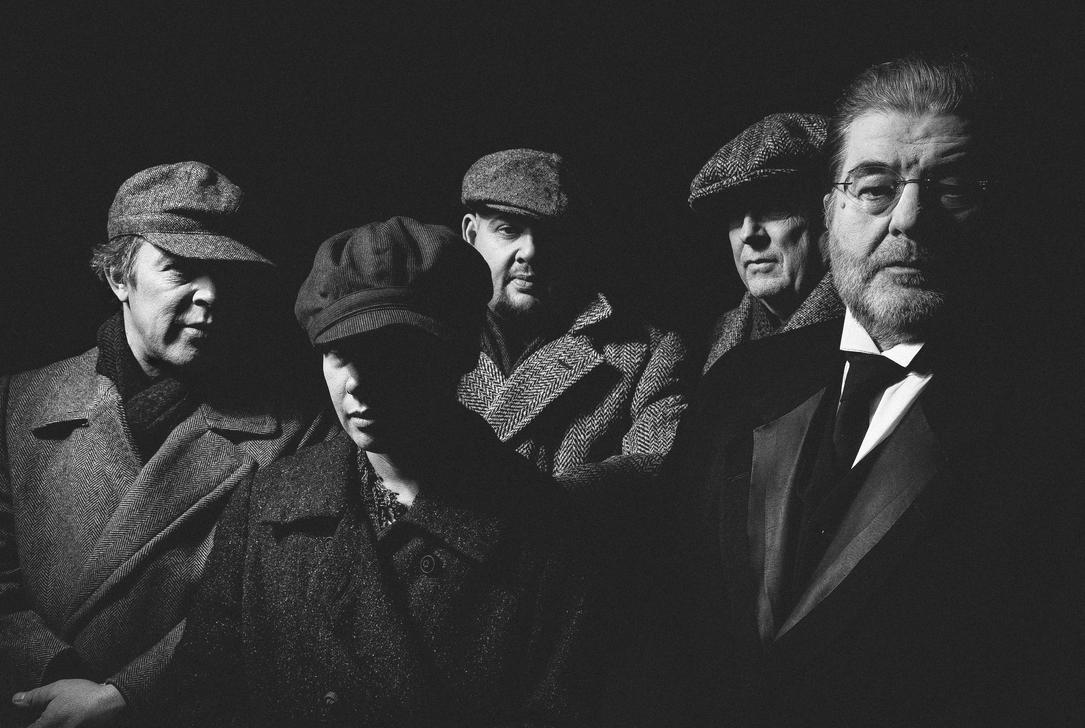 """""""Im Krieg gibt's keine Würstel."""" – Ein großartiger Steinhauer liest """"Die letzten Tage der Menschheit"""" im Theater in der Josefstadt"""